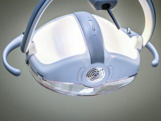 ربات دندانپزشک
