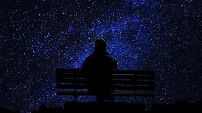 چرا اینقدر احساس تنهایی میکنیم