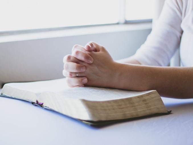 آیا کاهش نفوذ دین، افزایش رضایتمندی را باعث می شود